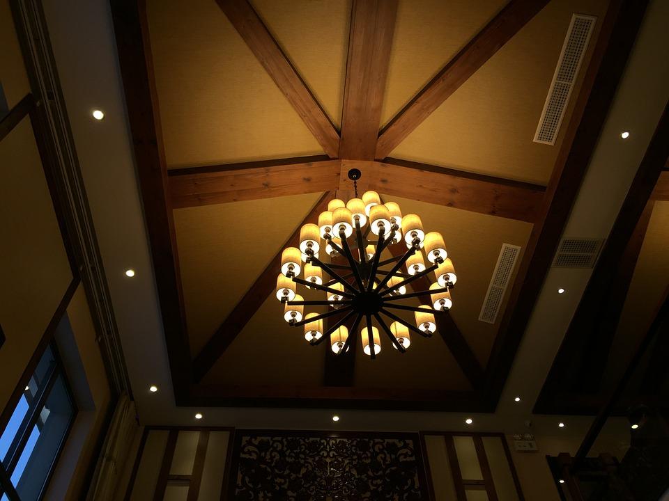 Le plafonnier: un accessoire décorateur indispensable