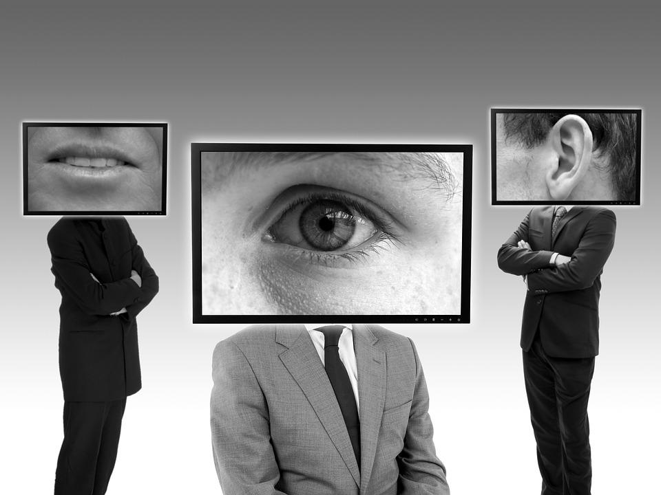 Espionner le téléphone de son conjoint est-il condamnable?