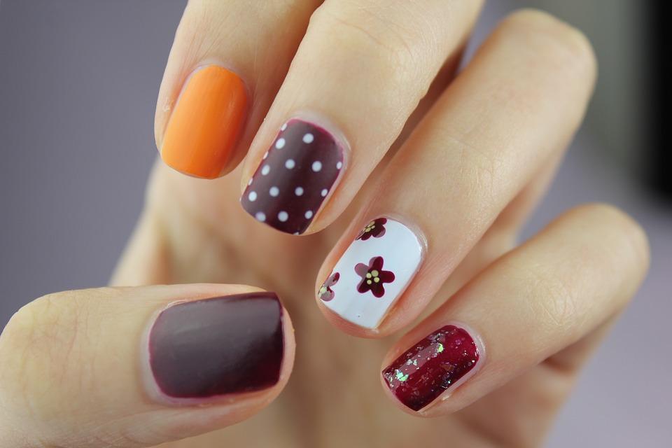 Comment appliquer un top mat sur vos ongles?