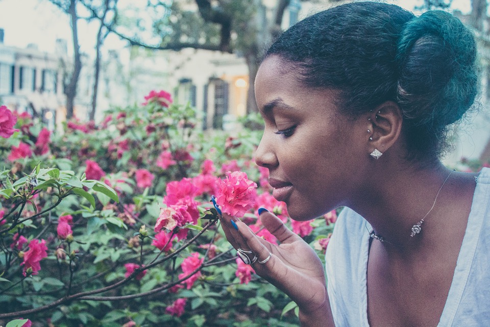 Les cheveux crépus, la nouvelle tendance chez les femmes noires